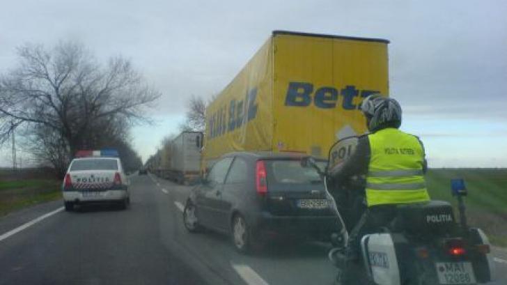 Traficul pe DN 5, pe unde românii se întorc din vacanţa în Bulgaria, blocat de un protest