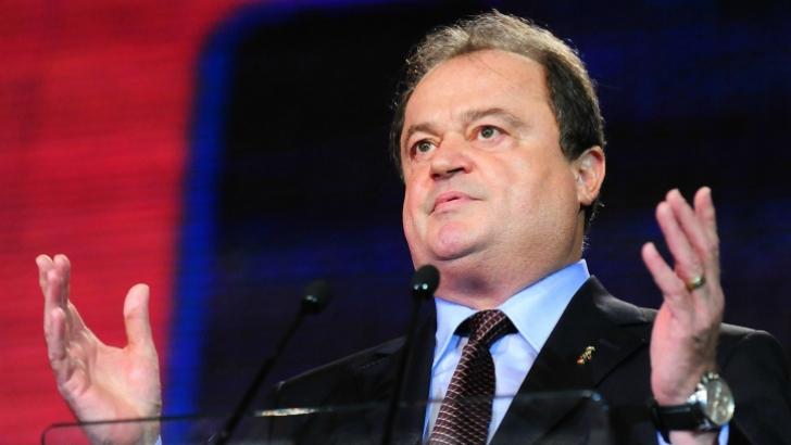 Blaga: Candidatul la Preşedinţie, stabilit în trei etape, nu există motiv să renunţăm la Predoiu