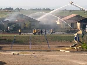 Avion militar, prăbuşit într-un cartier rezidenţial din California