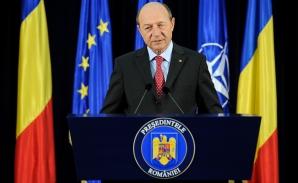 Băsescu: Drapelul, simbol al luptei poporului pentru libertate, le spun românilor să îl cinstească!