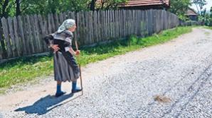 O femeie primea ajutor social, fără să ştie că are în cont miliarde de lei