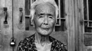 Ultimele femei din China care au fost supuse unui obicei barbar vechi de secole
