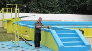 Românii au inventat ştrandul fără apă: Oamenii de muţumesc doar cu bronzatul