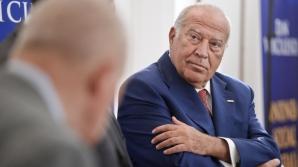 PROCESUL LUI VOICULESCU, LUAT DE LA ZERO: Unul dintre magistraţi cere pensionarea