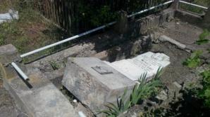 Morminte profanate în judeţul Galaţi.