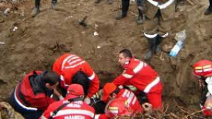 Muncitor decapitat de un escavator, după ce fusese înghițit de un mal de pământ