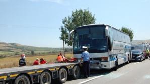 ACCIDENT GRAV în Alba: Două autocare s-au ciocnit