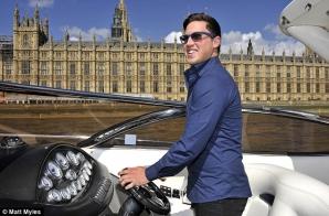 Matt Myles a câştigat 1 milion de lire sterline la LOTO şi petrece un an în jurul lumii