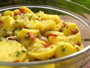 Salată nemţească de cartofi şi pui