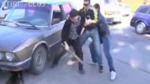 Doi tineri din Bistrița Năsăud, de etnie romă, au băgat în spital un clujean