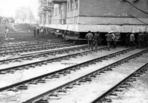 Mutarea blocului A 2, de pe Platoul Romanilor din muncipiul Alba Iulia.