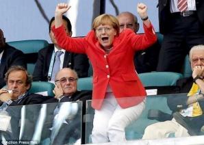Campionatul Mondial de Fotbal 2014. Angela Merkel, selfie la CUPA MONDIALĂ