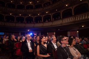 <p><strong>TIFF 2014. Trofeul Transilvania, adjudecat de filmul Stockholm, al regizorului spaniol Rodrigo Sorogoyen</strong>. FOTO: Adi Bulboacă</p>