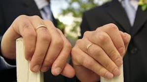 Luxemburgul a autorizat căsătoria şi adopţia pentru cupluri de acelaşi sex