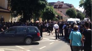 Ilie Vonica, înmormântat cu slujbă specială, în prezenţa a peste 500 de persoane