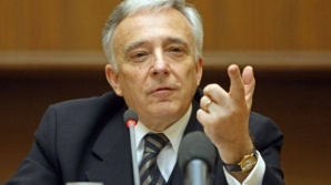 Mugur Isărescu, guvernatorul BNR