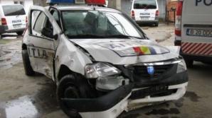 Fost poliţist băut şi fără permis, a furat maşina de Poliţie şi a făcut-o praf