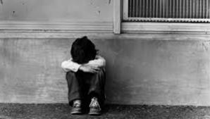 Adolescent de 15 ani, cercetat pentru că şi-ar fi violat nepoţelul de trei ani