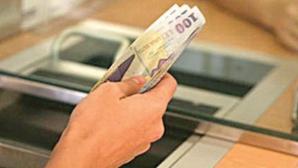 CREDITE CU ACTE FALSE: Directorul unei bănci din Piatra Neamţ, trimis în judecată