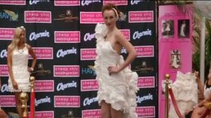 Un concurs de rochii de mireasă din  hârtie igienică a fost organizat la New York