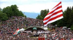 Peste 150.000 de persoane sunt prezente la pelerinajul de Rusalii de la Şumuleu-Ciuc