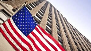 Economia SUA, șubrezită de dolarul puternic