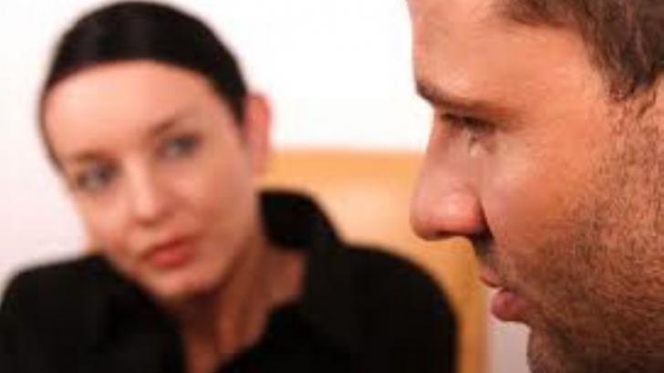 Consiliere psihologică, psihiatrică şi socială GRATUIT, prin intermediul telefonului, online sau faţă în faţă