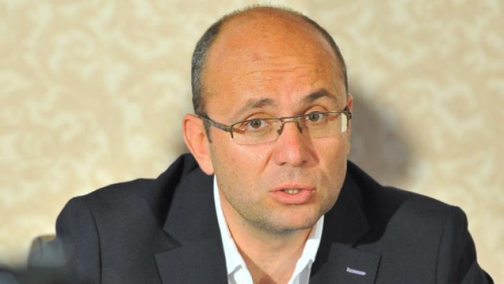 COZMIN GUŞĂ: Victor Ponta candidat unic, candidatul baronilor