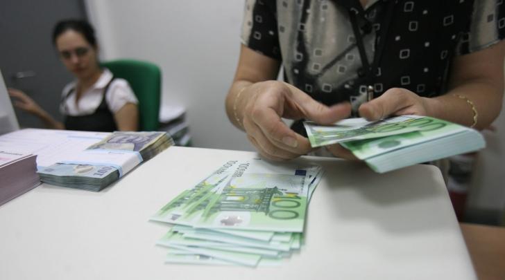 Cum poţi să iei 50.000 de euro de la stat pentru o afacere