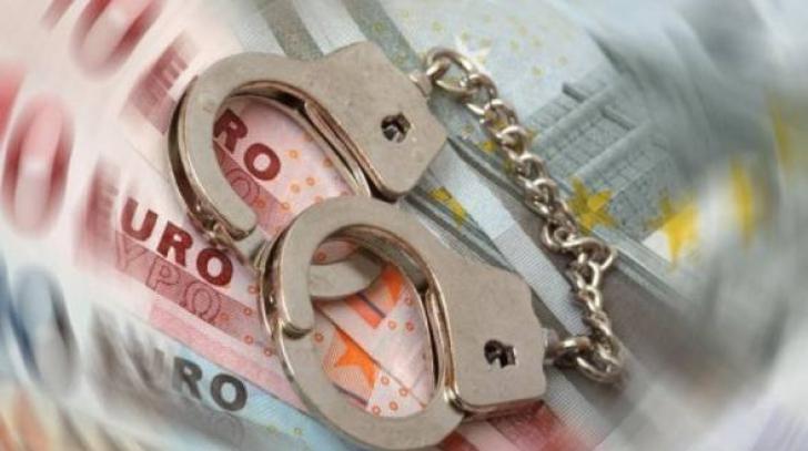 Fostul contabil şi casiera unei primării din Vaslui, condamnaţi la închisoare pentru delapidare