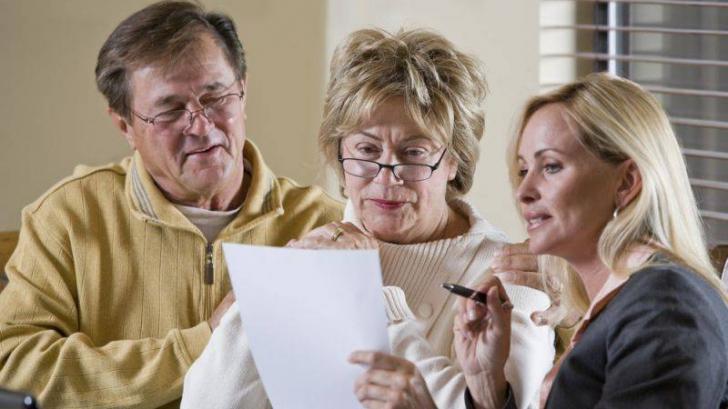 Deputatii dacă femeile se vor pensiona la 65 de ani, la fel ca bărbaţii