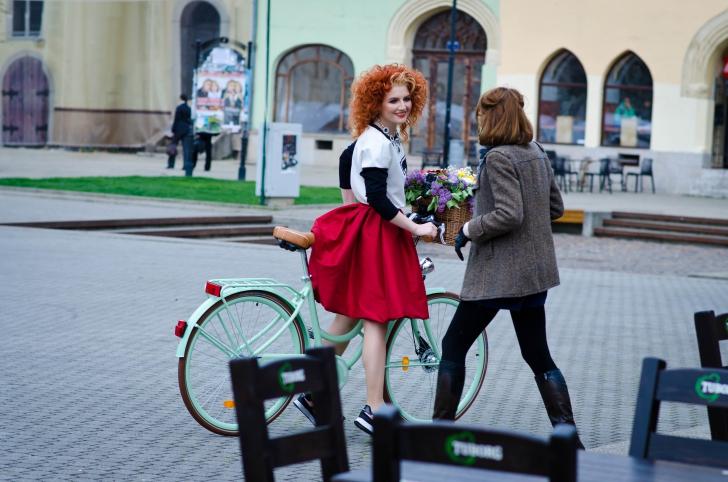Locuri ULUITOARE din România, promovate de ALEXANDRA UNGUREANU într-un mod INEDIT
