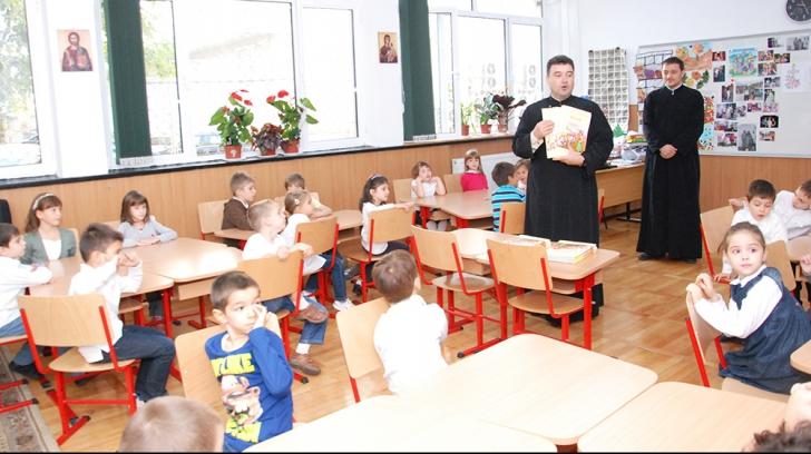 ROLUL PREOȚILOR în școli, CONTESTAT
