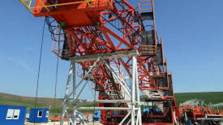 Forajele de monitorizare a calităţii apei de la Pungeşti, blindate şi sigilate de Apele Române