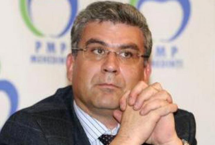 BACONSCHI a demisionat din PMP. Anunţul, făcut pe Facebook
