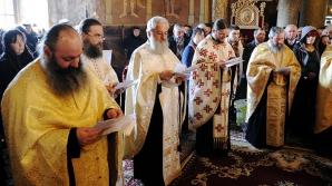Preotul te pomenește prin SMS la Cluj