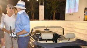 Radu Mazăre, îmbrăcat în costum de jucător de golf la o prezentare de modă în Mamaia