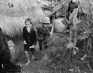 Războiul din Vietnam, o tragedie în cinci acte