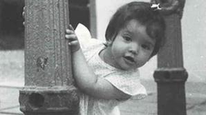 Fetiţa din imagine este azi una dintre cele mai apreciate actriţe din România