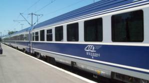 Tren de pasageri deraiat după ce a lovit un camion: un mort şi trei răniţi
