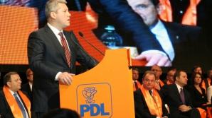"""PDL: Omiterea unei strofe din imnul naţional a fost o """"eroare neintenţionată"""""""