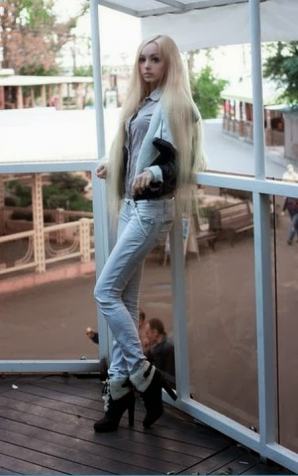 A detronat-o pe FATA BARBIE: Alina Kovalevskaya