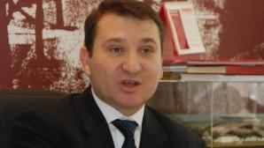Romeo Stavarache, suspendat de Prefectura Bacău din funcţia de primar