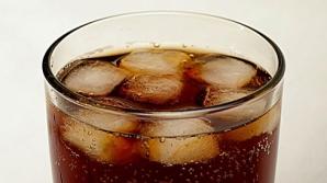 Ce se întâmplă în corpul tău când bei UN SINGUR PAHAR de Cola?