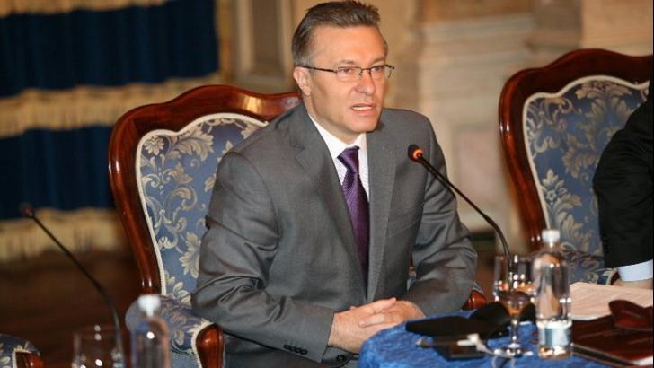 Cristian Diaconescu, candidatul care a stânga pe dreapta