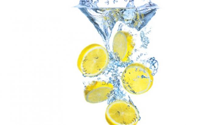 Detoxifierea cu lămâie