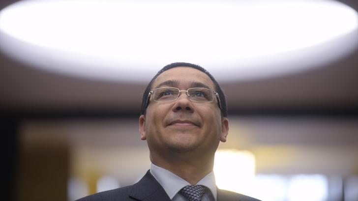 <p>Ponta, declaraţii contradictorii privind supra-acciza pe carburanţi / Foto: MEDIAFAX</p>