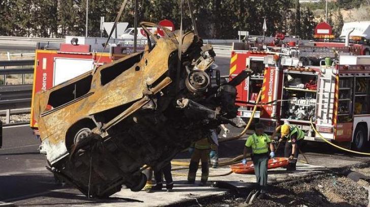 8 români, morţi într-un accident de autocar în Spania. Foto: EFE