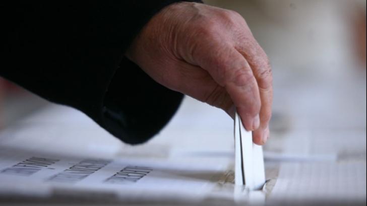 Cum vor românii să fie președintele lor. Care candidat punctează cel mai bine