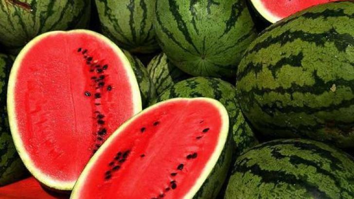 Pepenele verde, fructul preferat al sezonului, este apreciat pentru calitățile sale curative